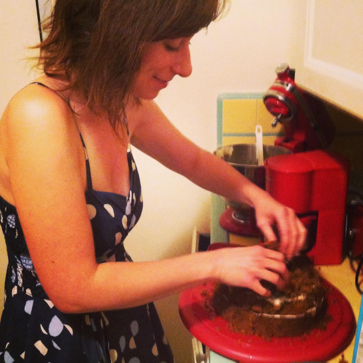 cake molding