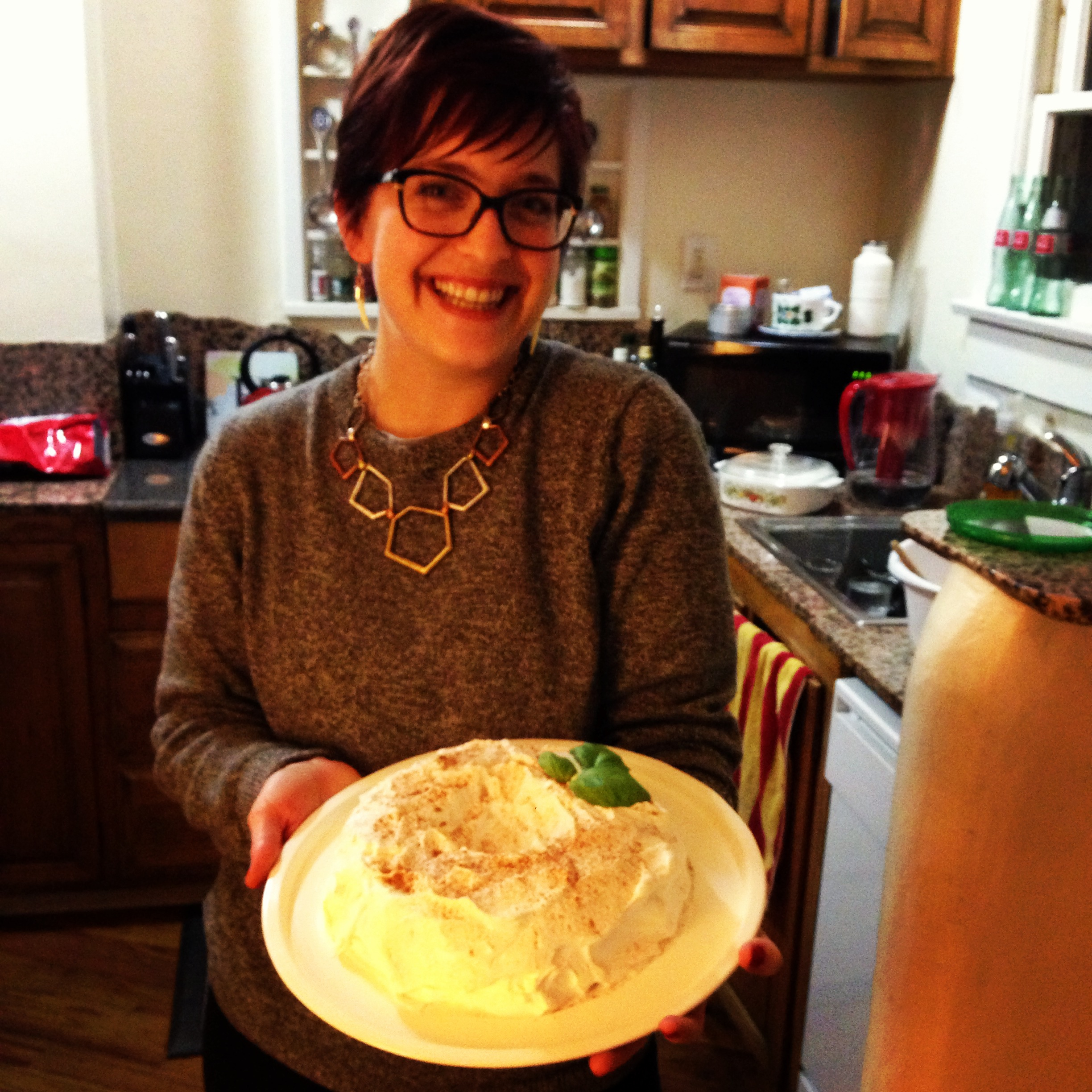 decorator heidi w/ basil leaf & cinnamon additions